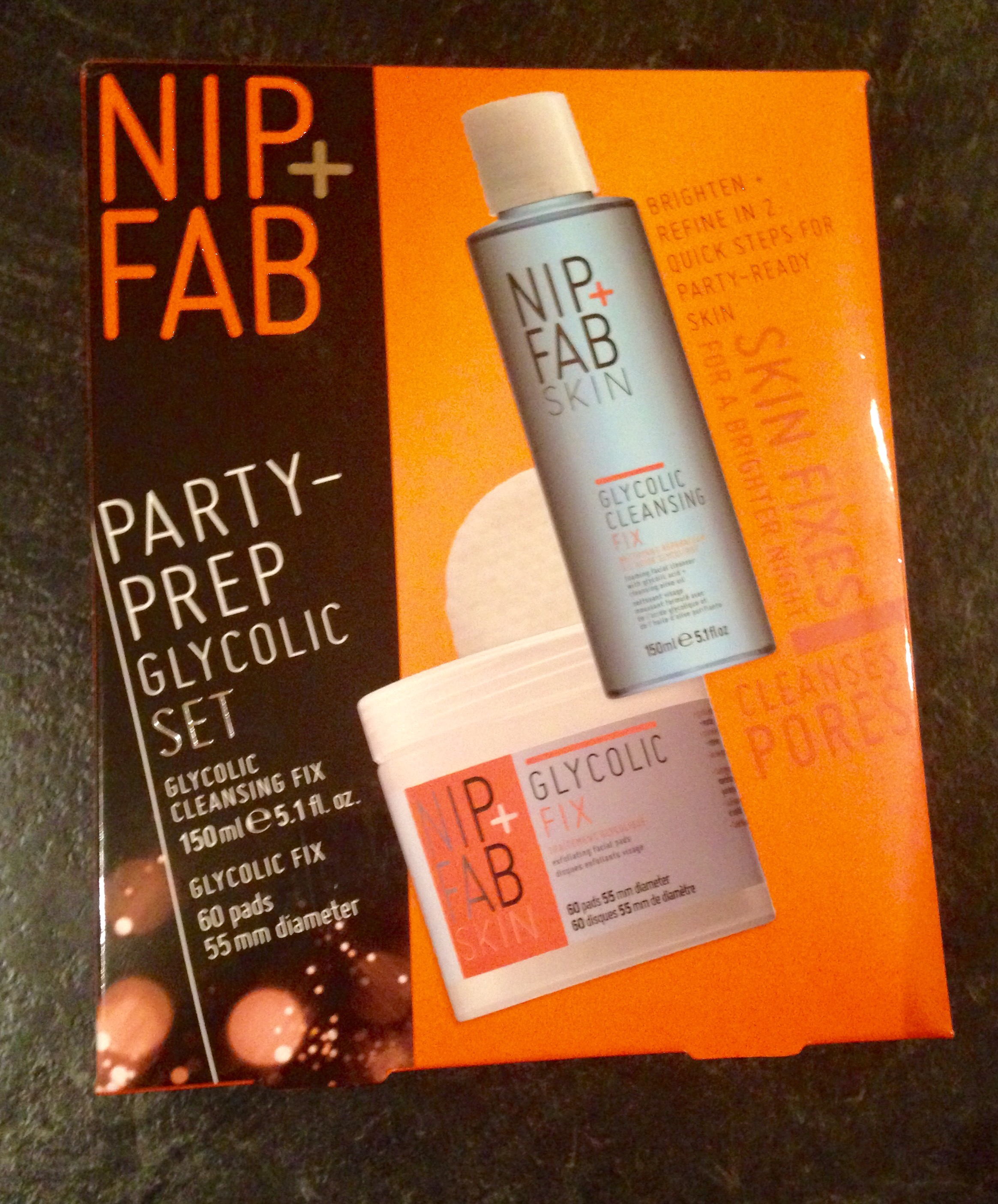 Nip + Fab Party-prep Glycolic Set Newhite Instant Brightening Mask For The Face 7x40ml/1.4oz